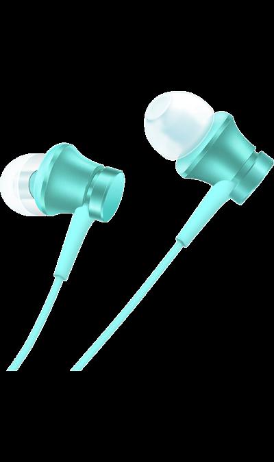 Проводная гарнитура Xiaomi Mi In-Ear Basic, стерео (голубая)Наушники и гарнитуры<br>Высокие частоты отличаются прозрачностью, но в то же время звучат естественно и без каких-либо искажений. Дабы как можно более точно и четко передать высокие, средние и низкие частоты, Xiaomi внедряет схему с двумя подвижными катушками. Так получается добиться четкой звукопередачи потому, что низкие и средние частоты воспроизводятся с помощью большой катушки, а за высокие частоты отвечает отдельная маленькая катушка. В сочетании с уравновешенным якорем данная комбинация позволяет обеспечить глубокий ...<br><br>Colour: Голубой