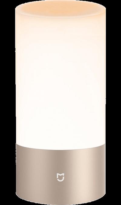 Умная лампа Xiaomi Mi BedsideУмные устройства<br>Максимальная яркость: 300 лм.<br>Режим будильника при синхронизации с Mi band 2.<br>Поддерживает 16 млн. оттенков, а также регулировку температуры от 1700-6500 К.<br>Сенсорное управление, синхронизация со смартфоном через приложение.<br>Приложение для Mi Bedside Lamp: Yeelight.<br><br>Mi Bedside Lamp - необычный светильник Xiaomi. Он может менять цвет и яркость, поддерживает Wi-Fi и Bluetooth, помогает засыпать и просыпаться действуя как световой будильник. С такой лампой ваша ...<br><br>Colour: Золотистый